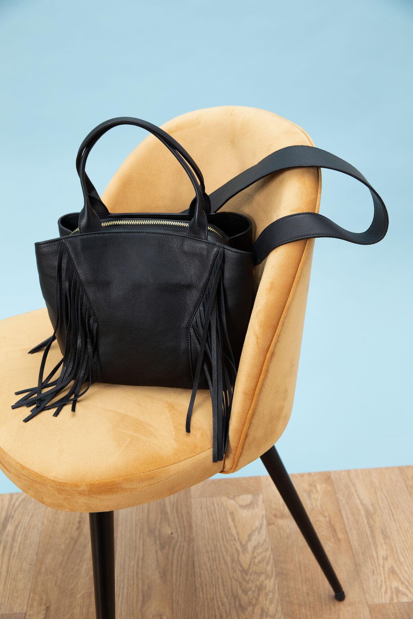 e5b270e69b9 Leren tas Carmen: Zwarte damestas voor € 185,00