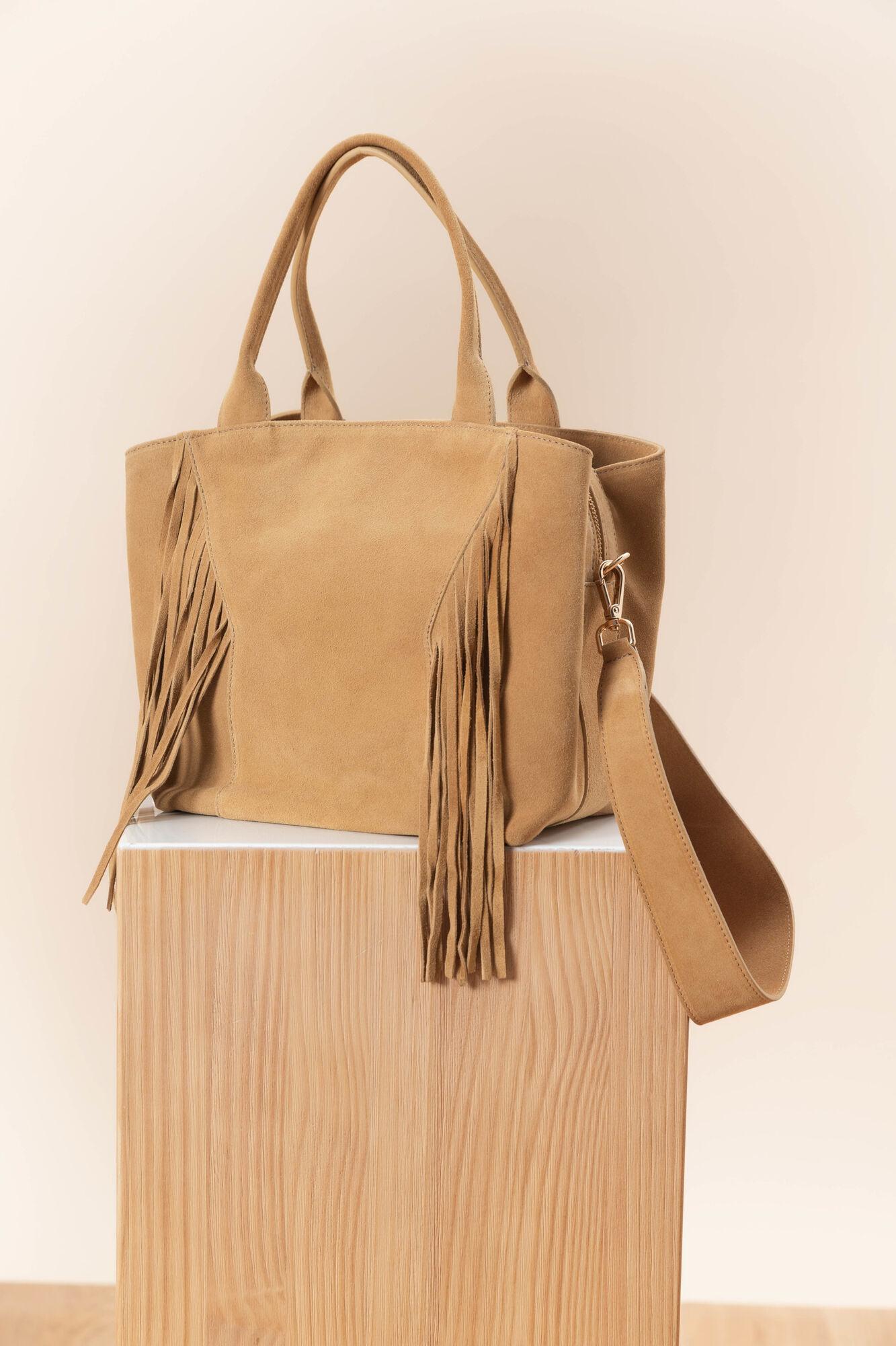 9b6a1c4972a Leren tas van velours Carmen: Camel damestas voor € 185,00